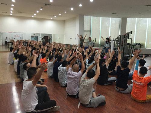 中国联通达州分公司团队拓展训练2